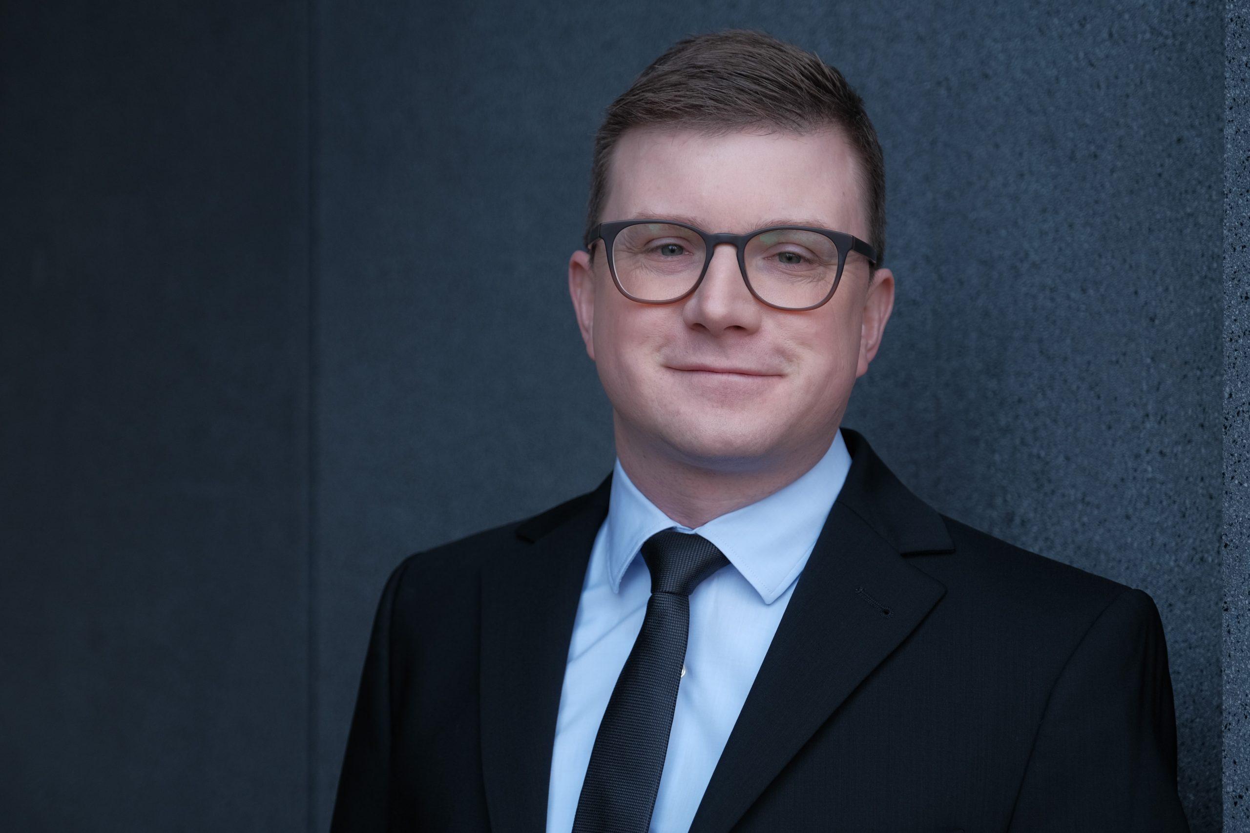 Pfarrer Tim Winkel als neuer Delegierter in die Hauptversammlung der Diakonie RWL gewählt